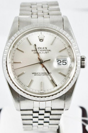 Rolex Men's 36mm Datejust Model 16220 Stainless Steel Jubilee Band Silver Stick Dial & Engine Turned Bezel