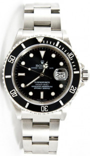 Rolex 40mm Submariner Stainless Steel Oyster Band Reference 16610 No Holes Case Black Dial & Bezel